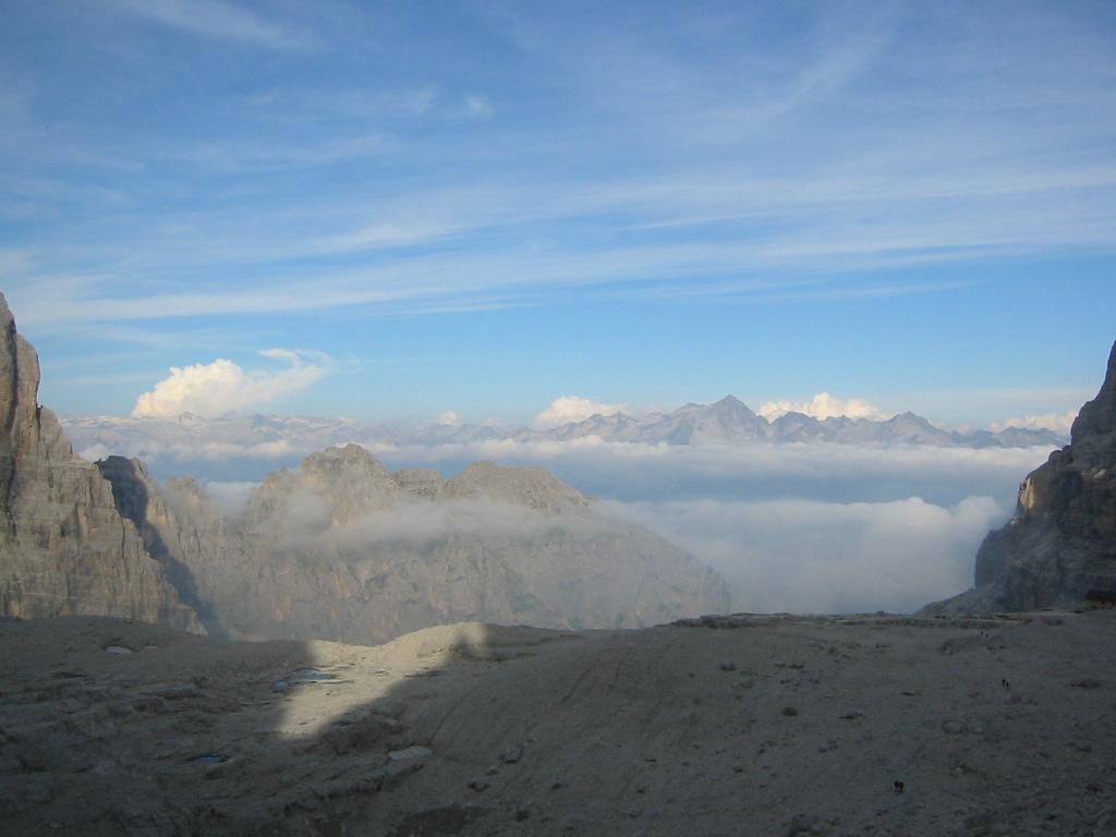 6:50AM - Rifugio Alimonta - 2580 m