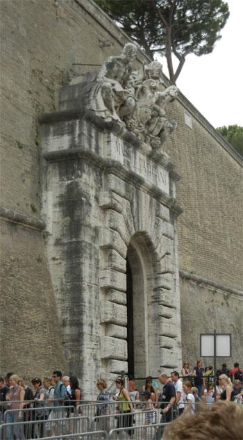 Vatican---Public-Entrance