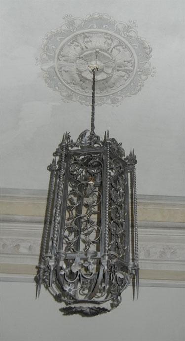 Villa Vezzani - Intricate Chandelier